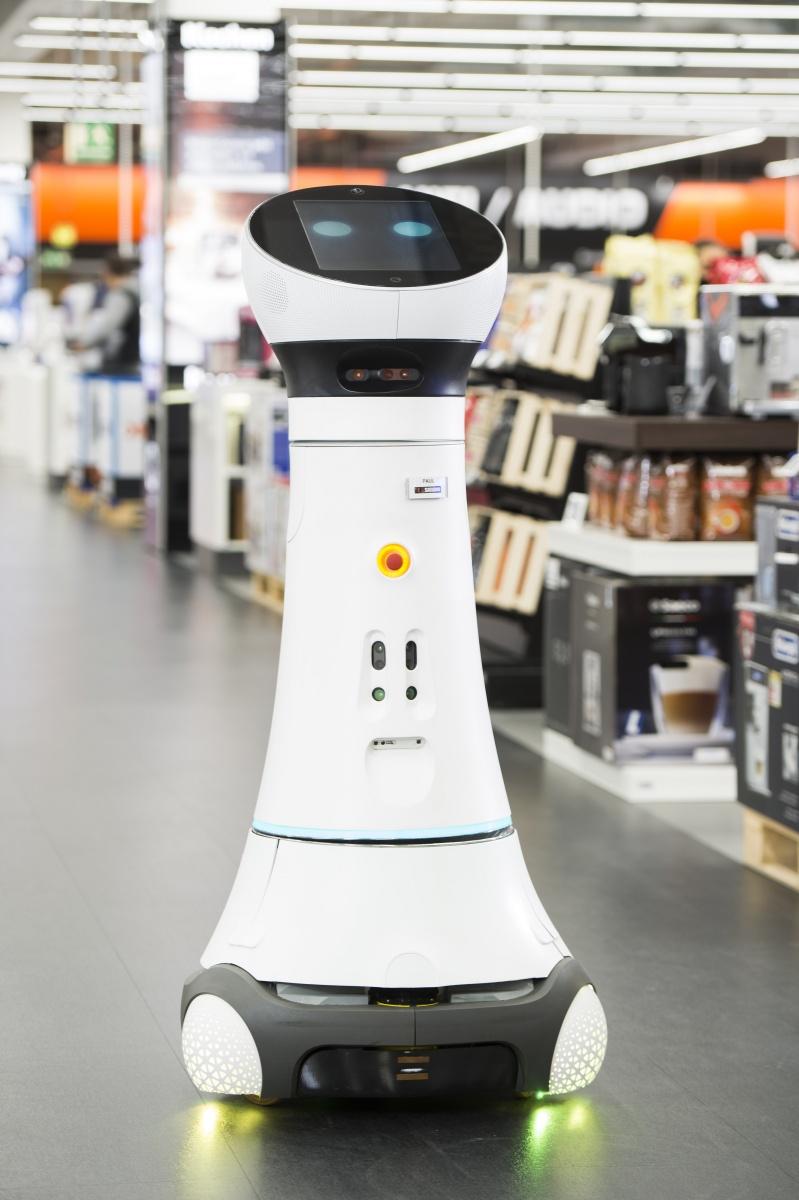 Paul: Der nach eigenen Anhaben erste Assistenzroboter im CE-Handel