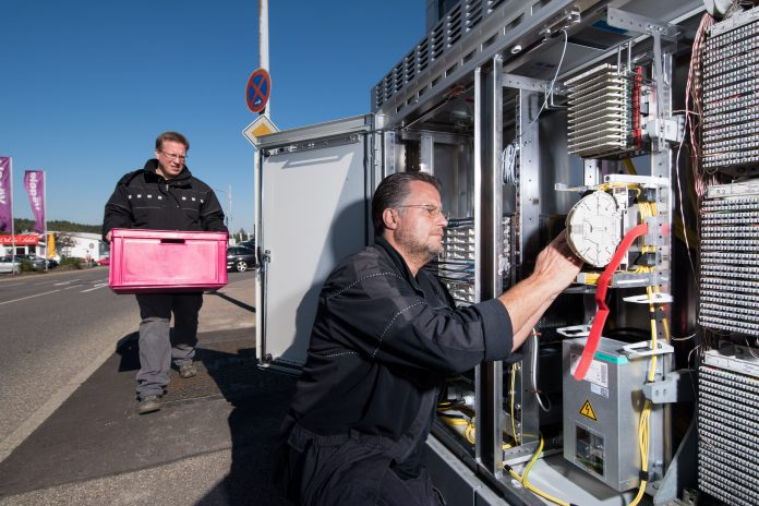 Telekom setzt bei Glasfaserausbau auf lokale Kooperationen