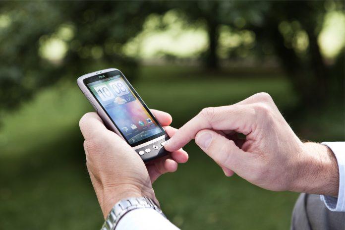 Twitter ist jetzt mit seiner dazugekauften App Periscope auf dem Markt
